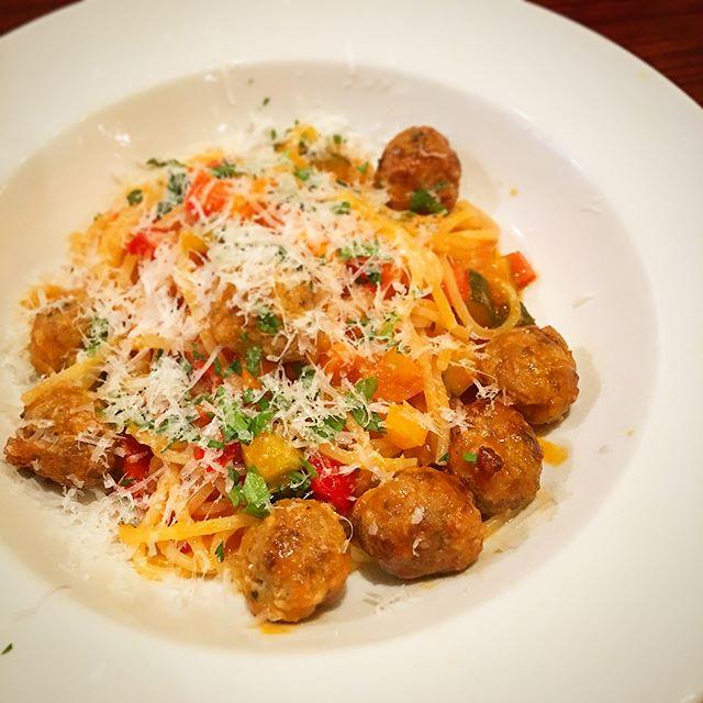 ポルペッティーニ(肉団子)と夏野菜のトマトソースカリオストロ風 [ブカティーニ]「 #ルパン三世 #カリオストロの城 」でルパンと次元が食べていた肉団子のパスタを再現したそうです----#パスタ #pasta #ブカティーニ #Bucatini #トマトソース #tomatosauce #肉団子 #ミートボール #meatballs #polpettini#lupinthethird #thecastleofcagliostro#メニュー #menu #誕生日 #birthday #イタリアン #Italian #晩ごはん #dinner #夏 #summer #休日 #holiday #instafood