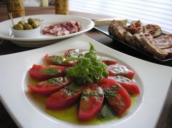 バラフとトマトのカプレーゼ