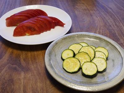 ズッキーニとトマト