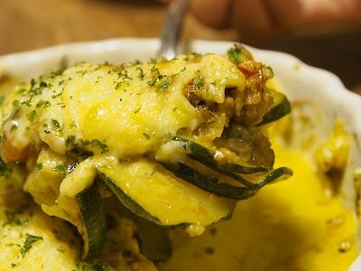 ズッキーニのドライカレーチーズ焼き